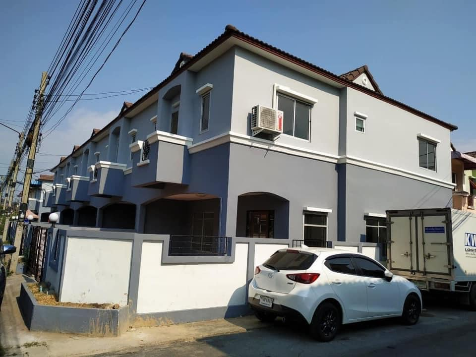 For RentTownhouseNawamin, Ramindra : BH636 Townhouse for rent, 2 floors, 3 bedrooms, 2 bathrooms, K.C. Cluster Ramintra-Safari Klong Sam Wa District Rent 11,000 baht / month Contact: Khun Bua 0936464597, 0826914598 Line: Bua093 3 bedrooms, 2 bathrooms, ready to move in.
