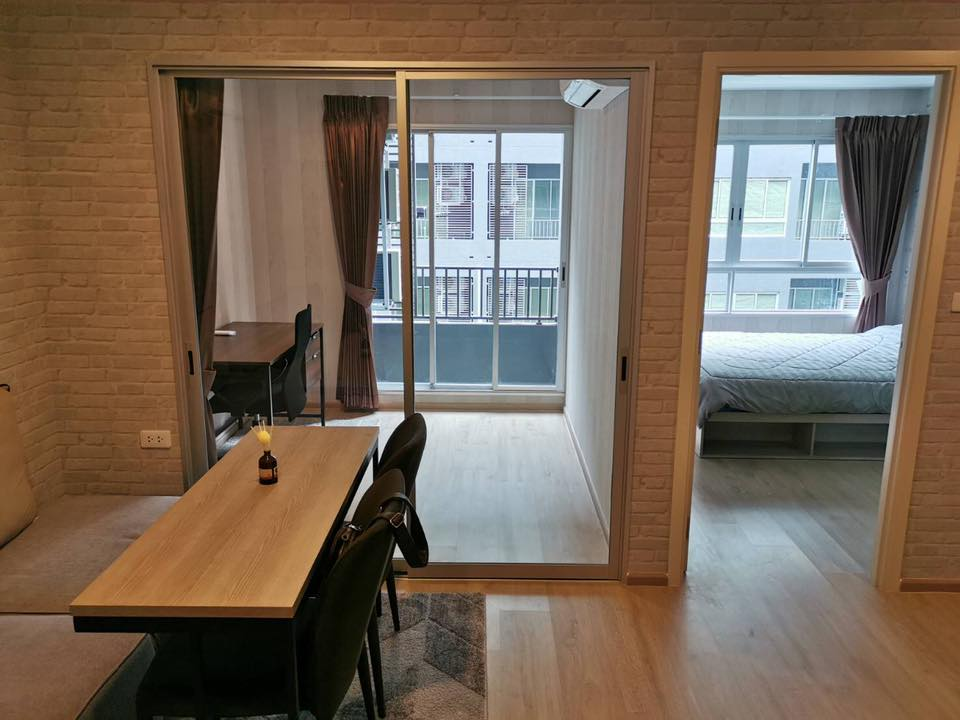 For RentCondoKasetsart, Ratchayothin : Beautiful room for rent *** Elio Del Moss (2 bedrooms), size 35 sq m, Building A (pool view), 5th floor, near BTS Kasetsart University.