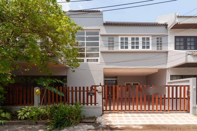 For SaleTownhouseKaset Nawamin,Ladplakao : AE0401 Townhouse for sale, twin house, Monkey's TreeHouse size 33 sq m, good price, close to BTS 200 M.