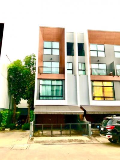 For RentTownhousePattanakan, Srinakarin : For rent ARDEN Pattanakarn 20 On Nut 17.