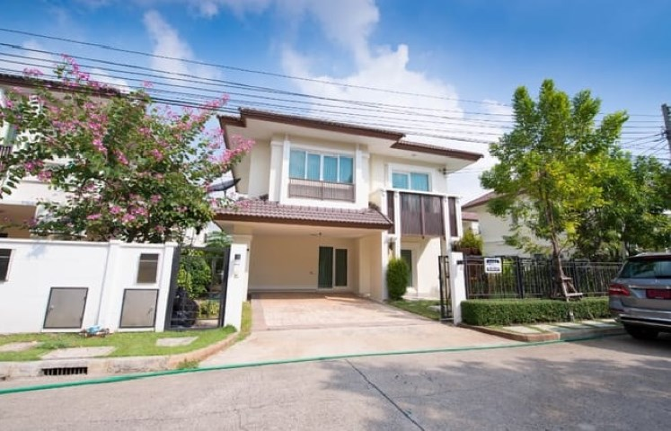 For RentHouseNawamin, Ramindra : 2 storey house for rent, The Centro Watcharapol Village, The Centro Watcharapol, beautiful house, 3 air conditioners, fully furnished.