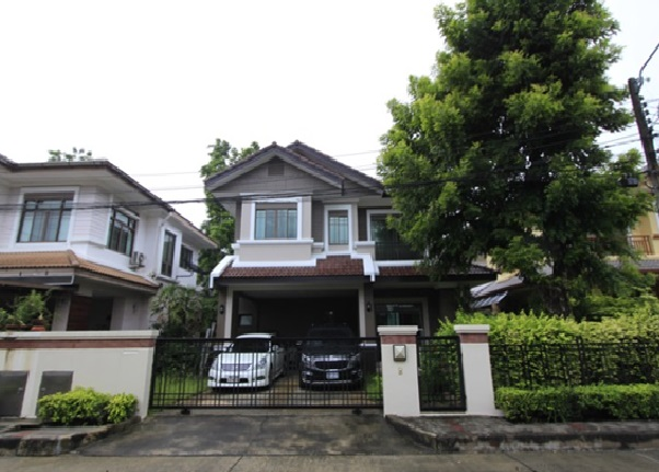 For RentHouseRamkhamhaeng Nida, Seri Thai : 2 storey detached house for rent, setthasiri village Ring-Sukhapiban 2, a very beautiful house, close to Fashion Island, Air 4, fully furnished. Only inhabited Pets are not allowed.