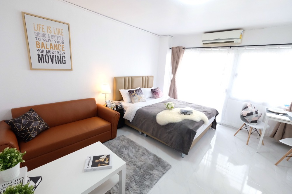 For SaleCondoLadprao 48, Chokchai 4, Ladprao 71 : The room is as beautiful as new, complete, beautiful as in the picture. Condo Family Park 1.1 MB, ready to move in, has a swimming pool.