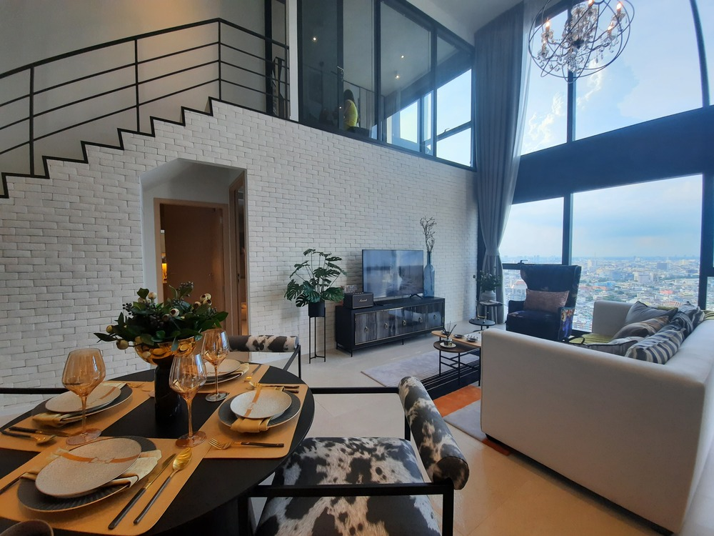 For SaleCondoSilom, Saladaeng, Bangrak : The BEST PRICE! Duplex 2BR Corner, on 35th++ Floor facing North-East