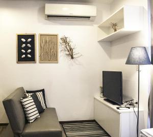 For SaleCondoPattaya, Bangsaen, Chonburi : Treetops Pattaya for sale, 1 bed, half transfer, beautiful room, fully furnished, built-in kitchen, full electric Close to walking street pattaya Pattaya Ferry