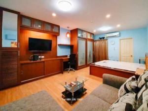 For RentCondoRatchadapisek, Huaikwang, Suttisan : For Rent !!! SUPALAI CITY RESORT Ratchada-Huaykwang with furniture Built in special price