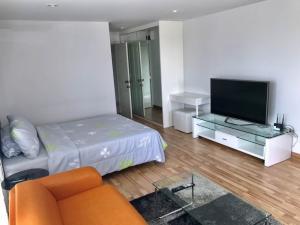 For RentCondoOnnut, Udomsuk : condo for rent regent home 19 , 400m to bangchak bts
