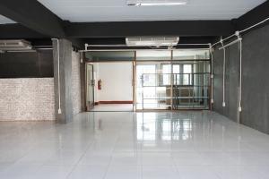 For RentShophouseOnnut, Udomsuk : 4-storey commercial building for rent, Park Avenue, Soi Pridi Banomyong 20 4th floor, both Sukhumvit 71