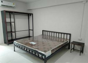 ขายขายเซ้งกิจการ (โรงแรม หอพัก อพาร์ตเมนต์)ปราจีนบุรี : ขายอพาร์ทเม้นท์ 104 ห้อง เนื้อที่ประมาณ 500 ตร. วา. อยู่ใกล้ นิคม ฯ 304 จ. ปราจีนบุรี