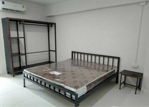 For SaleBusinesses for salePrachin Buri : Apartment for sale, 104 rooms, area 500 sq. wa. , near the 304 industrial estate, Prachinburi province.
