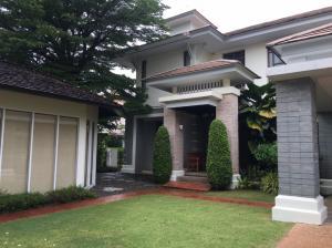 For RentHousePattanakan, Srinakarin : 2 storey detached house for rent at Narasiri Village Phatthanakan-Srinakarin, behind the corner, near the clubhouse fresh garden atmosphere