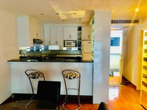 For RentCondoWitthayu,Ploenchit  ,Langsuan : Owner release by himself Condo for rent: Regent Royal Place 1 (Regent Royal Place 1), 1 bedroom, 65 sqm, 24th floor, near BTS Ratchadamri Soi Mahadlekluang 1. Near the mall, rental price 22,000 baht, beautiful room, fully furnished.