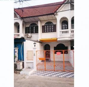 For SaleTownhouseKaset Nawamin,Ladplakao : Quick sale! 2-storey townhouse at Sena Village 88 Near the market around the corner Ready to move in