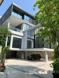 เช่าบ้านนานา : Rental : Single House and Home Office with Swiming Pool and Private Lift in Sukhumvit 39 , 3 Bed 5 Bath , 350 sqm , 10-13 Parking Lot , Unfurnisher