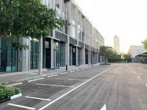 For RentHome OfficeBangna, Lasalle, Bearing : 4-storey home office for rent, Cascade Bangna project, Cascade- Bangna, next to Bangna-Trad Road Km.5, near Central Bangna, Suvarnabhumi Airport, Mega Bangna, Seacon Square.