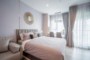 For RentCondoWitthayu,Ploenchit  ,Langsuan : AE0407 Condo for rent, Life One Wireless, studio room, size 28 sqm, 17th floor, near BTS Ploenchit.