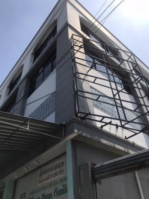 เช่าตึกแถว อาคารพาณิชย์อ่อนนุช อุดมสุข : ให้เช่า อาคารพาณิชย์ ขนาด 3 หลัง สูง 3.5 ชั้น มีดาดฟ้า + ที่จอดรถอีก 1 ห้อง BTS ปุณณ์วิถี 650M 100,000฿/เดือน*ด้านข้างตึกปล่อยเช่าติดป้ายโฆษณา ได้เดือนละ 10,000฿