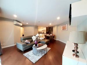 For RentCondoRama9, RCA, Petchaburi : Hot Deal Rent Duplex 5 Bed 4 Bath Only 95,000 K. With Nice decoration Belle Grand Rama9