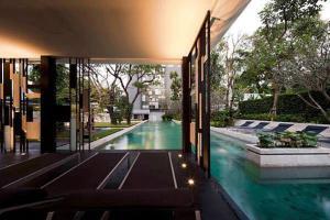 "Sale DownCondoSukhumvit, Asoke, Thonglor : Attractive price, cheapest in the building, 10.15 million baht, ""Quattro by Sansiri"" 1 bedroom, contact Yuki 0855926465."