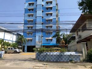 For SaleBusinesses for saleNawamin, Ramindra : Apartment on the BTS line, 63 rooms, 200 sq m., Ramindra Km 4