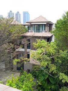 For RentHouseSukhumvit, Asoke, Thonglor : Rental : Single House with Swiming Pool in Thonglor , 4 Bed 5 Bath , 500 sqm , 3 Parking Lot