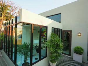 ขายบ้านอ่อนนุช อุดมสุข : ขายบ้านเดี่ยว สร้างใหม่ มีสระว่ายน้ำ สุขุมวิท 71
