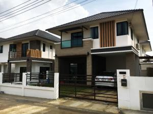For RentHouseKorat KhaoYai : House for rent in the village with a common area of 3 bedrooms, 3 bathrooms, 2 floors.