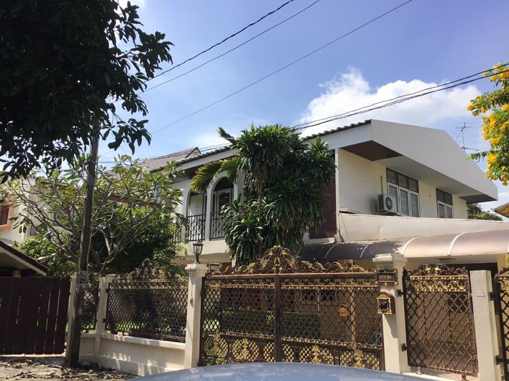 For RentHouseSapankwai,Jatujak : 2 storey detached house for rent, 120 sq.w., near BTS Phaholyothin 32 Rd.