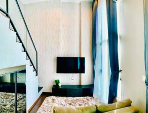 เช่าคอนโดสุขุมวิท อโศก ทองหล่อ : For Rent!! C Ekkamai Condo duplex room