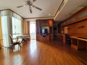 For SaleCondoWitthayu,Ploenchit  ,Langsuan : Condo Langsuan Ville (Condo Langsuan Ville) 165 sq m, 3 bedrooms, 2 bathrooms, near BTS Ratchadamri, convenient for all urban life needs