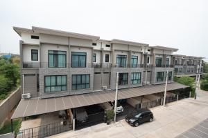 For SaleTownhousePinklao, Charansanitwong : Townhome for sale, happy village Pinklao-Kanchana 3 floors 3 bedrooms / 3 bathrooms 20.7 sq m / 165 sqm, only 4.6 million baht.