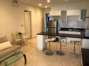 For RentCondoSukhumvit, Asoke, Thonglor : For rent Nusasiri Grand Condo, connected to BTS Ekkamai, 2 bedrooms, 2 bathrooms, 80 square meters, 35,000 / month