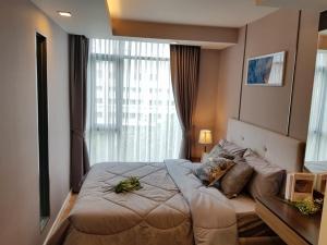 For RentCondoWitthayu,Ploenchit  ,Langsuan : Rent very cheap, Mom !! Focus @ Ploenchit - 1 bedroom, new room - spacious, fully furnished.