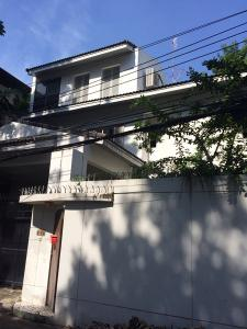 For RentHouseRama3 (Riverside),Satupadit : H 0588 3-storey detached house for rent on an area of 100 square meters, Soi Yen Akat 2, near the expressway, Central Rama 3, Lotus, MAKRO, in and out of several routes, Silom Road, Sukhumvit Road, Rama IV Road, Sathupradit, etc.