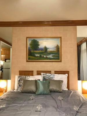 For RentCondoSilom, Saladaeng, Bangrak : For rent: Pipat Place Condo, size 33 square meters, price only 14000
