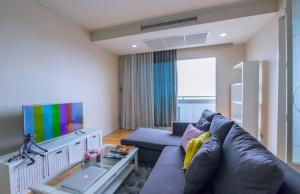 For RentCondoRatchadapisek, Huaikwang, Suttisan : [A252] 🔥🔥🔥 ** Special price 18,000 baht for rent, Muang Thai-Phatra Complex Condo (Mueng Thai-patara Complex), size 74.40 sqm., 20th floor, corner room, only 5 minutes walk from MRT Suthisan Station