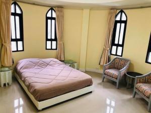 For RentTownhouseSukhumvit, Asoke, Thonglor : Townhouse for sale / rent Chisha Castle Village