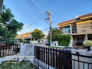 For SaleTownhouseSamut Sakhon : Townhouse for sale in the corner of Baan Dee Ekachai Plus 27.1 sq m. Near Makro, Samut Sakhon Big C Mahachai 2 Porto Chino Mahachai Central Mahachai, cheap price, 2.9 million shots, visit the house, contact 085-689-8880 LINE: vmayda