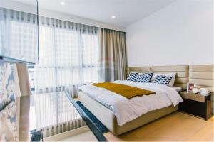 For SaleCondoSukhumvit, Asoke, Thonglor : Condo for sale, HQ by Sansiri, 2 bedrooms, 80 sqm., Near BTS Thonglor, beautiful and comfortable room, located in the heart of Thonglor area. Surrounded by great restaurants and bars.