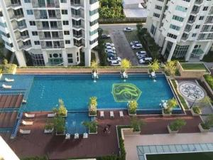 For RentCondoRatchadapisek, Huaikwang, Suttisan : Cheapest, spacious room, pool view, size 76 sq m, 2 bedrooms, 2 bathrooms, 1 living room, fully furnished Supalai Wellington