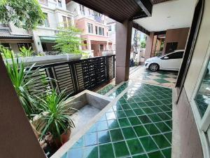 For RentHouseRatchadapisek, Huaikwang, Suttisan : 3-storey house for rent, Areeya Casa Village, Ratchadaphisek, Areeya Casa Ratchada, Huay Kwang, go to MRT Sutthisan, Ratchadaphisek Road, Lat Phrao Road, Meng Chai, Rama 9, along the express, convenient Ramindra.