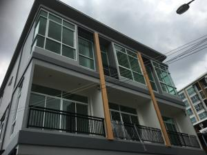For SaleHouseRatchadapisek, Huaikwang, Suttisan : 3-storey house quality project in the heart of the city near MRT Huai Khwang, large house, 3 bedrooms, 3 bathrooms, 1 reception, 1 kitchen, starting at 6.25 million baht, call 085-3535-888 or 086-4099920 / LINE ID: CPG888 / www. Ban Rat. Com
