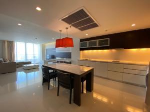 For RentCondoSathorn, Narathiwat : Condo for rent, Sathorn Heritage, Floor 32 AOL-F72-2011003050.