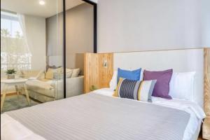 For RentCondoSathorn, Narathiwat : For Rent Noble Revo Silom 1 bedroom High Floor BTS Surasak