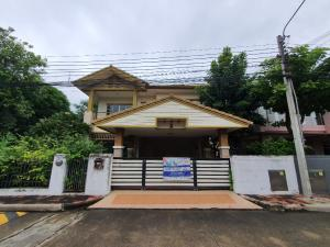 For SaleHouseBangkruai, Ratchapruek : 🏡 House for sale Saransiri Project Ratchaphruek-Chaengwattana, area 64.30 sq.wa., usable area 201 sq m, project on the main road, convenient transportation, connecting many routes.