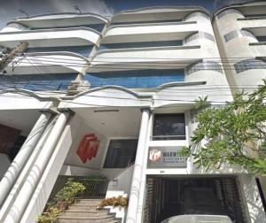 เช่าตึกแถว อาคารพาณิชย์พัฒนาการ ศรีนครินทร์ : อาคารสำนักงานให้เช่า พระราม9 เนื้อที่ 36ตรว 5ชั้น 5 นอน 6 น้ำ จอดรถได้ 2คัน