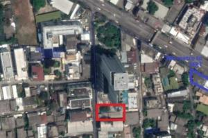 For SaleLandLadprao, Central Ladprao : House with land 185 wah, Ladprao 18, suitable for condo, apartment, 300 meters.
