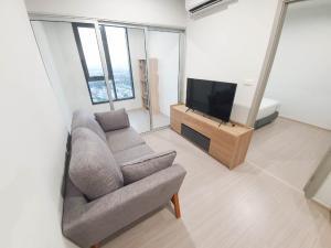 For RentCondoBang kae, Phetkasem : For rent, The Parkland Phetkasem 56, 1 bed, size 35 sq.m., near MRT Phasi Charoen.