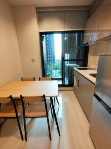 For RentCondoRama9, RCA, Petchaburi : For Rent Life Asoke-Rama 9 - Life Asoke-Rama 9 1 bedroom 1 bathroom 32 sqm Urgent !! 16,000 baht Contact for viewing on line line: benzkrit wechat: benzkrit142 call 0931425265