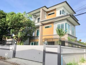 For RentHouseLadprao 48, Chokchai 4, Ladprao 71 : 3 storey detached house for rent, Ratchada-Suthisan, Ladprao 48